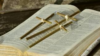 biblia_cruz